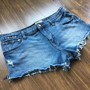 Free People jean shorts size 29